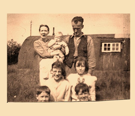The Dunn family, Mother, Father, sister Eileen, Sister christine and two cousins